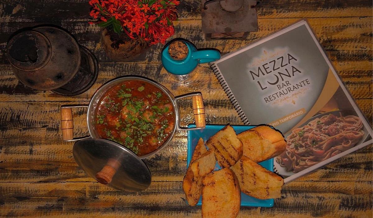 Restaurante Mezza Luna -Canoa Quebrada. Foto: hotsta